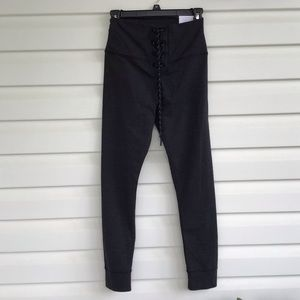 NWT aerie gray leggings M